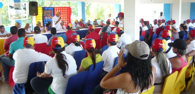 Anibal Fuentes presenta informe de gestión del mes de octubre a clase trabajadora de Logicasa