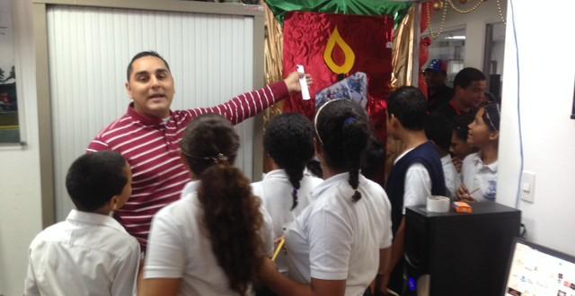 Ing. Anibal Fuentes dirigió concurso de pesebres y puertas